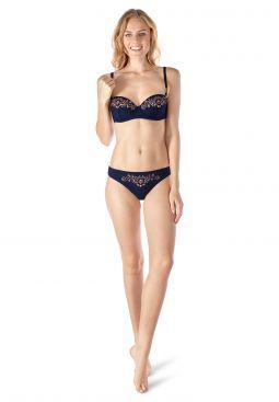 Skiny_181_W_Zanzibar_bikinibriefs_083313_081509_060.jpg