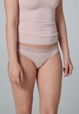 Skiny_Basic_W_AdvantageLace_thong2pack_083721_089218_060.jpg